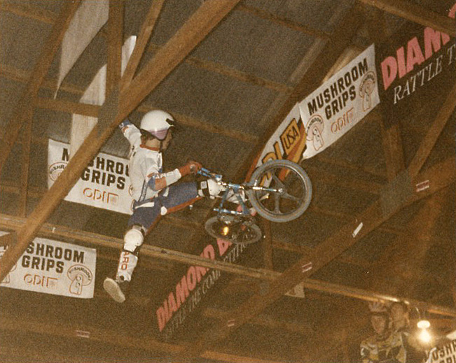 Ron Wilkerson at the 1986 2-Hip King of Vert in Le Sueur, MN photo by Ken Paul