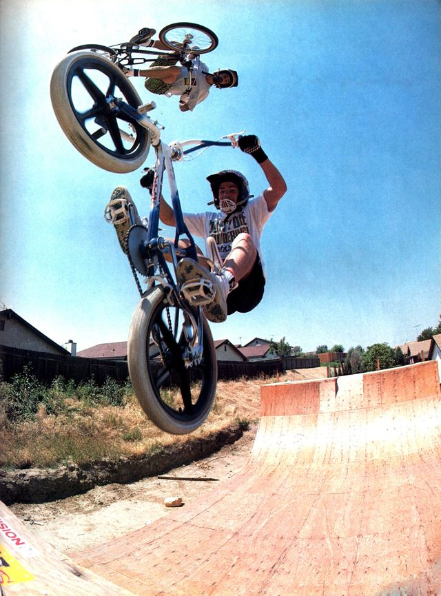 Brian Blyther Airs Over Mike Dominguez // November 1988 Freestylin' // Photo: Windy Osborn