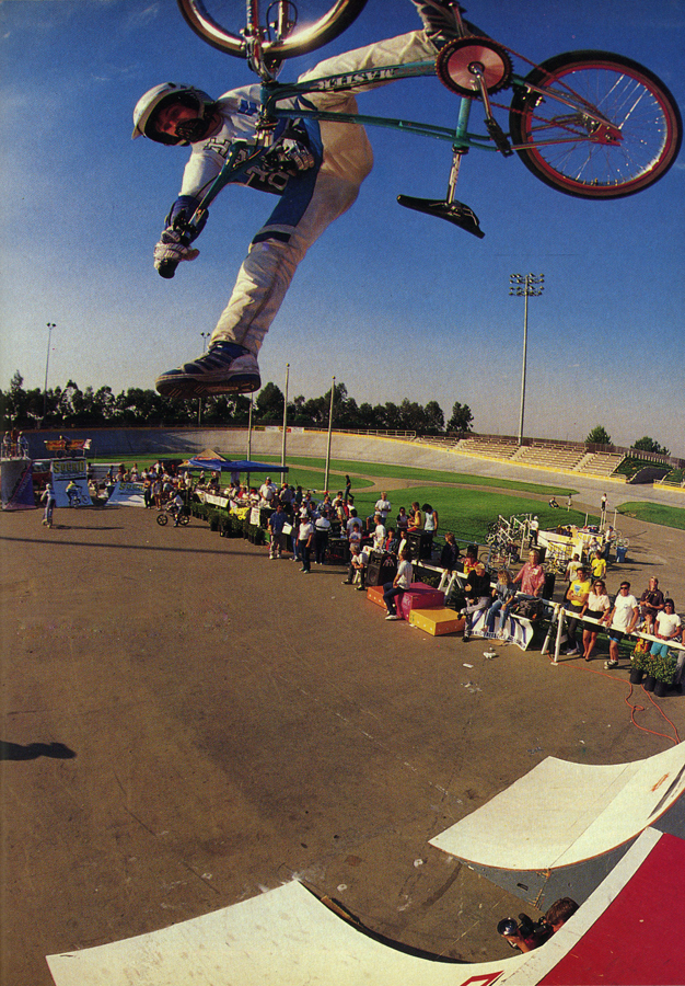 Dennis McCoy 1-foot table 1987 photo by Spike Jones