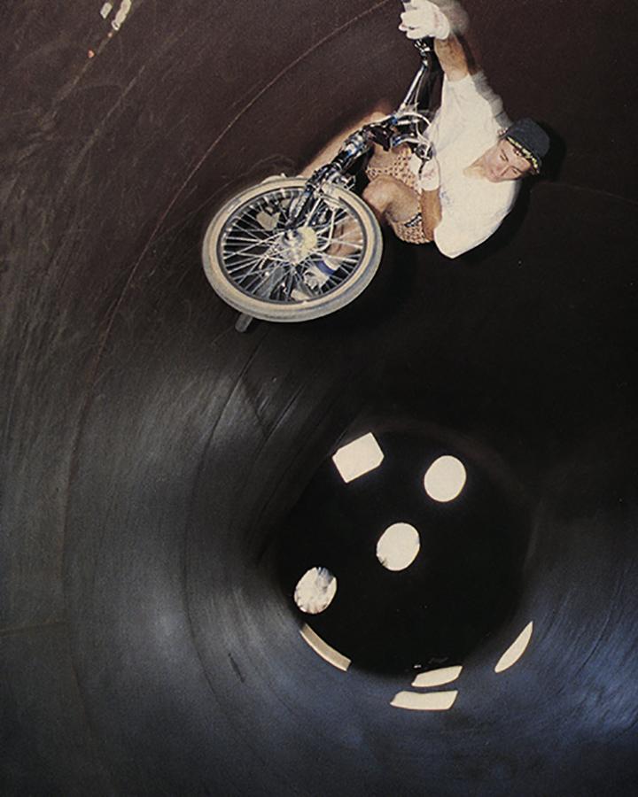 Brian Blyther // Fullpipe Carve // November 1988 Freestylin' // Photo: Spike Jonze