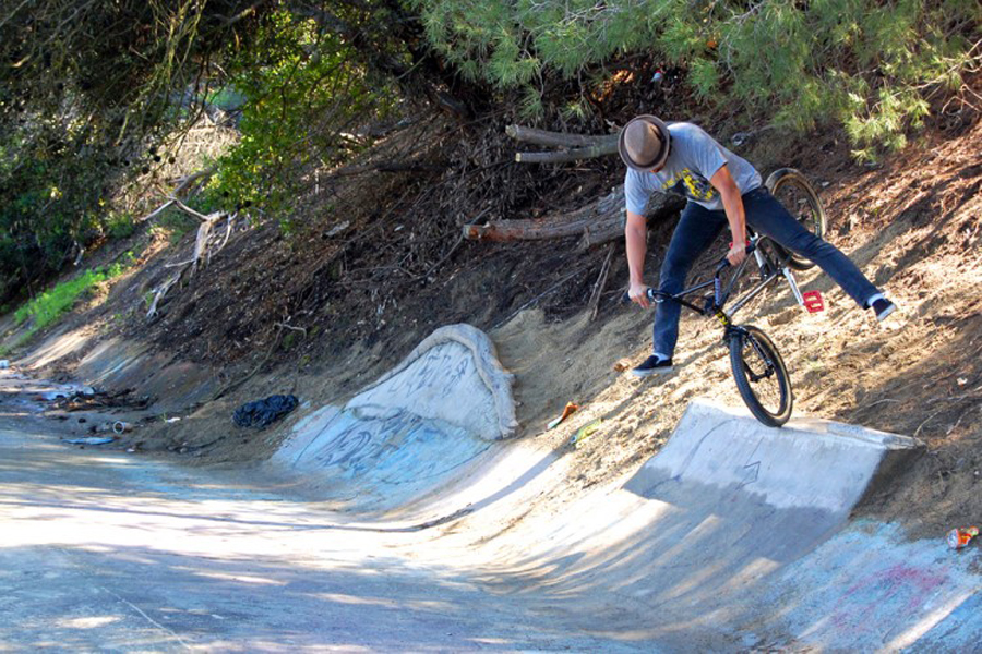 Dirt Ron // No Footed Nose Pick